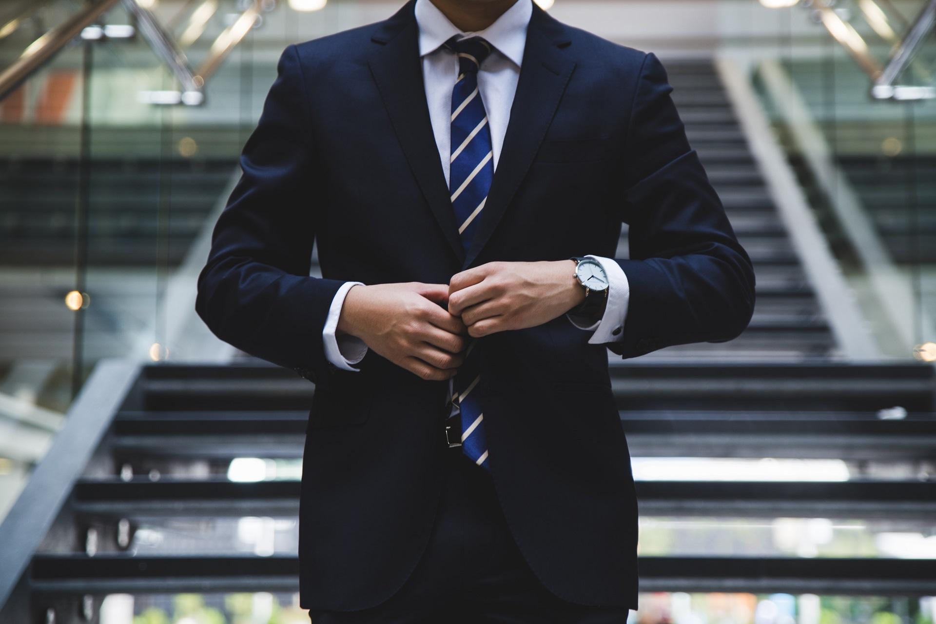 homme d'affaires en fiscalité américaine et internationale